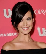 Одэт Ясмин, фото 38. Odette Yustman arrives at the Us Weekly Hot Hollywood party held at Eden on April 26, 2011 in Hollywood, California, photo 38