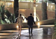 e8b5ce134280324 Blake Lively and Leonardo Di Caprio holding hands in Monte Carlo 27.05.2011 x36 HQ high resolution candids